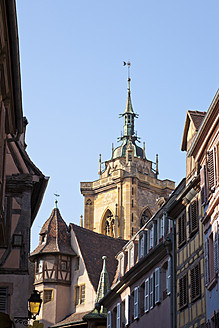 France, Alsace, Colmar, View of Maison Pfister building and Saint Martin cathedral - WDF000899