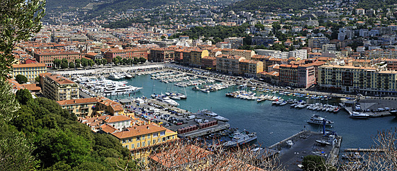 Europe, France, Provence, Alpes Maritimes, Cote d'Azur, Nice, View of harbour - ESF000031