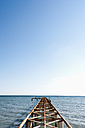Turkey, Belek, View of rusty boat landing stage near sea - KJF000090