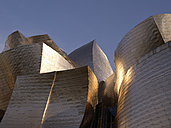 Spain, Basque country, Bilbao, View of Guggenheim Museum Bilbao at dusk - BSC000003