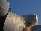 Spain, Basque country, Bilbao, View of Guggenheim Museum Bilbao at dusk - BSC000011