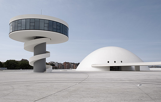 Spain, Asturias, Aviles, View of tower and dome at Oscar Niemeyer International Cultural Centre - BSC000029