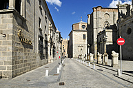 Europe, Spain, Castile and Leon, Avila, Puerta de los Leales, View of street with do not enter sign - ESF000135