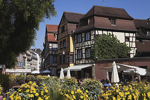 France, Alsace, Colmar, Haut-Rhin, Alsatian Wine Route, View of historic city - GWF001517