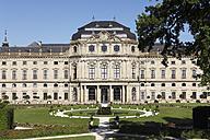 Germany, Bavaria, Wuerzburg, View of wuerzburg residence with garden - SIEF001885