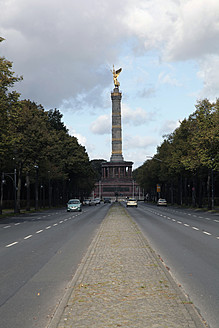 Berlin, View of angel at street with vehicles - JMF000111