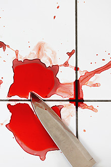 Blood and knife on tiled floor - HSTF000015