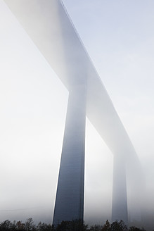 Germany, Koblenz, View of motorway bridge crossing Mosel Valley - MSF002532