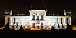Germany, Hanover, View of Lower Saxony State Museum at night - FO003808