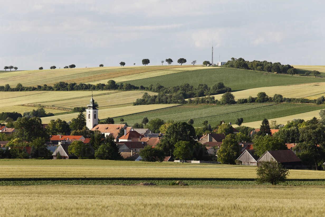 Austria, Lower Austria, Weinviertel, Grossmugl, , View of town - SIEF002210 - Martin Siepmann/Westend61