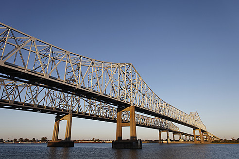 USA, New Orleans, View of Bridge over Mississippi - ANBF000084