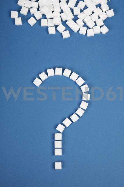 Sugar cubes question mark on blue background - ANBF000012