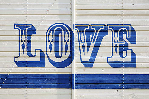 Germany, Text love on cargo wagon - ANBF000007