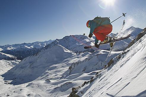 Austria, Tyrol, Ischgl, Mid adult man skiing - FFF001266