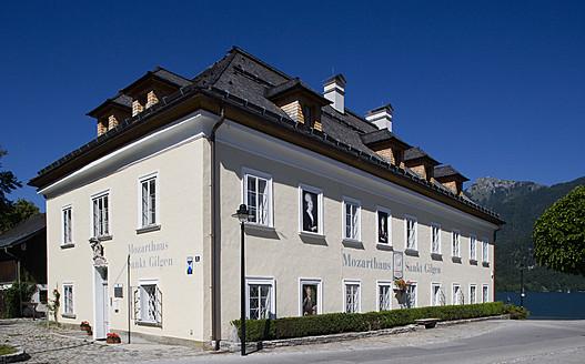 Austria, St. Gilgen, View of Mozarthaus, birthplace of Mozart's mother - WW001971