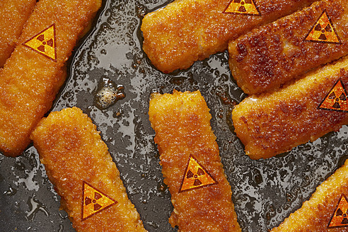 Germany, Fish fingers with radioactive symbol - THF001142