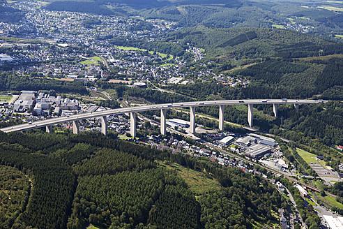 Europe, Germany, North Rhine Westphalia, Siegen, View of Siegtal Bridge - CS015860