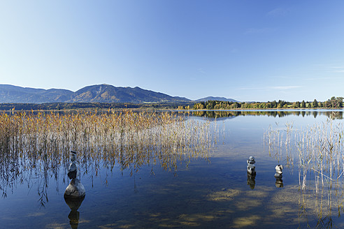 Germany, Bavaria, View of mountains and Staffelsee Lake - SIEF002397
