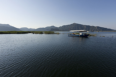 Turkey, Lycian Coast, View of boat and mountain in background - DSF000348