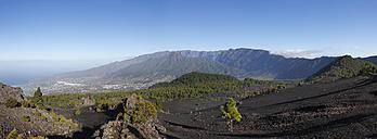 Spain, La Palma, View of Caldera de Taburiente and El Paso - SIEF002472