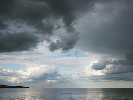 Germany, View of cloudy sky over Baltic Sea at Rugen Island - LFF000359