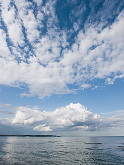 Germany, View of cloudy sky over Baltic Sea at Rugen Island - LFF000366