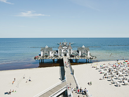 Germany,Ruegen, Binz,  People in beach booth at Island of Rugen - LFF000372