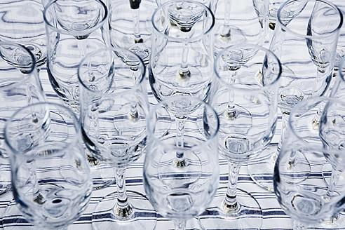 Full frame of champagne glasses - TLF000658
