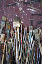 Variety of used paintbrushes - JMF000123