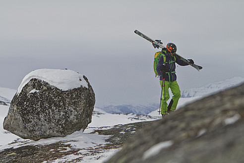 Sweden, Skier walking uphill - FFF001307