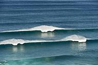 Portugal, Algarve, Sagres, View of Atlantic ocean with breaking waves - MIRF000440