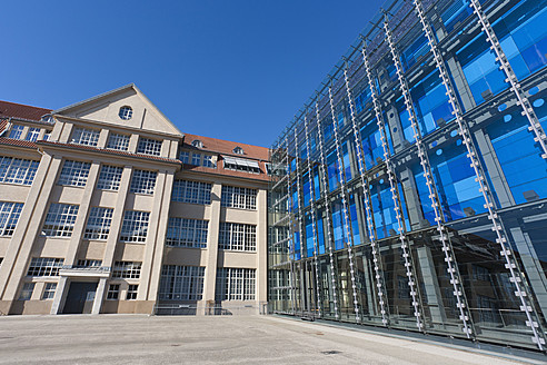 Germany, Baden Wuerttemberg, Karlsruhe, View of museum - WD001216