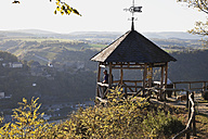 Germany, Rhineland Palatinate, Hiker looking at view from Dreiburgenblick view point - GWF001813
