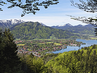 Germany, Bavaria, View of Rottach Egern at Lake Tegernsee - SIEF002683