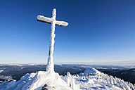 Germany, Bavaria, View of summit cross on mountain at Bavarian Forest - FOF003907