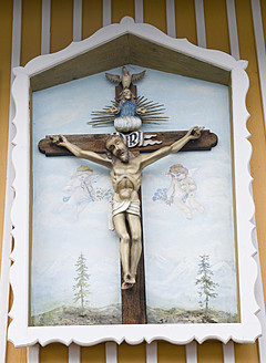 Germany, Close up of crucifix - AWD000664