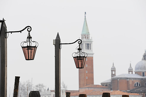 Italy, Venice, Street laterns and tower - LRF000542