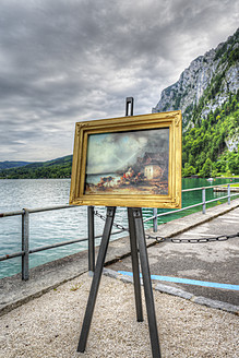 Austria, Picture frame at Attersee Lake - SIE002791