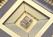 Efficient circuit for Electromagnetic vibrational energy converter - WBF001274