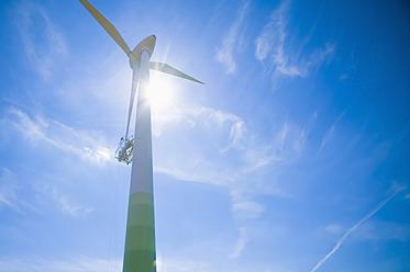 Germany, Saxony, View of wind turbine against sky - MJ000078