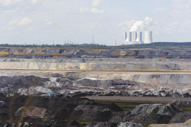 Germany, Saxony, Schleenhain, Brown coal mining - MJF000130 - Jana Mänz/Westend61