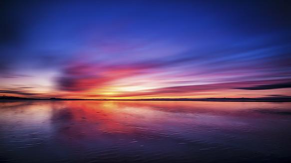 UK, Scotland, View of Gosford Bay during sunset - SMAF000010