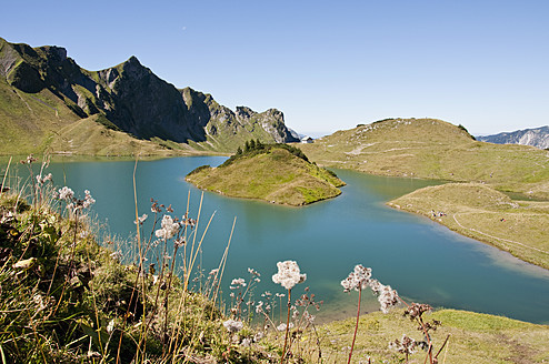 Germany, Bavaria, View of Schrecksee Lake - UMF000489