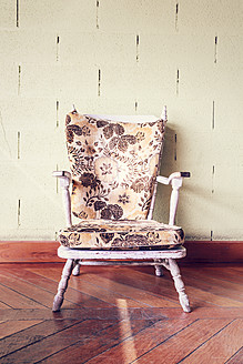 Portugal, Close up of old armchair - WVF000266