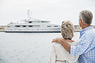 Spain, Senior couple at harbour - WESTF019043