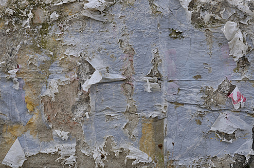 Germany, Bavaria, Wall with peeled paint - AXF000367