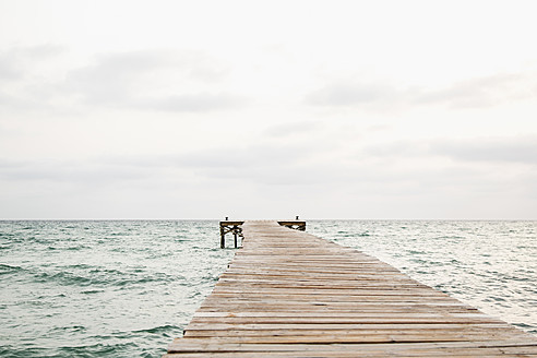 Spain, View of jetty at the sea - JKF000008