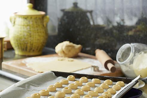 Germany, Bavaria, Preparation of Christmas cookies - DSCF000036