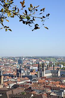 Germany, Bavaria, Wurzburg, View of city - MIZ000013