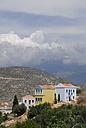 Greece, Castellorizo, Megisi, View of houses on hill - MIZ000065